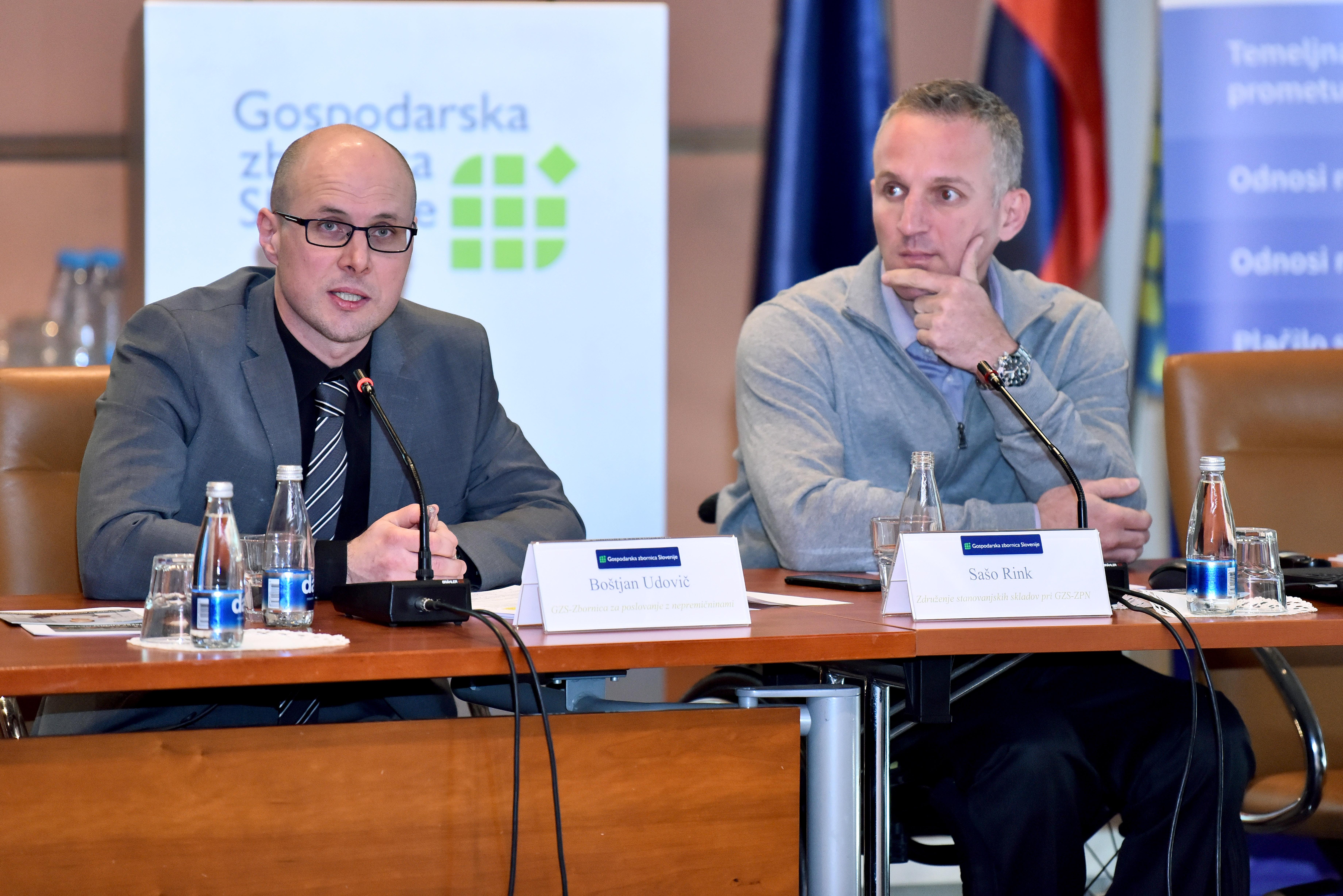 Direktor GZS - Zbornice za poslovanje z nepremicninami Bostjan Udovic je zelo kritičen do omejevanja zasebne ponudbe. (Foto: STA)
