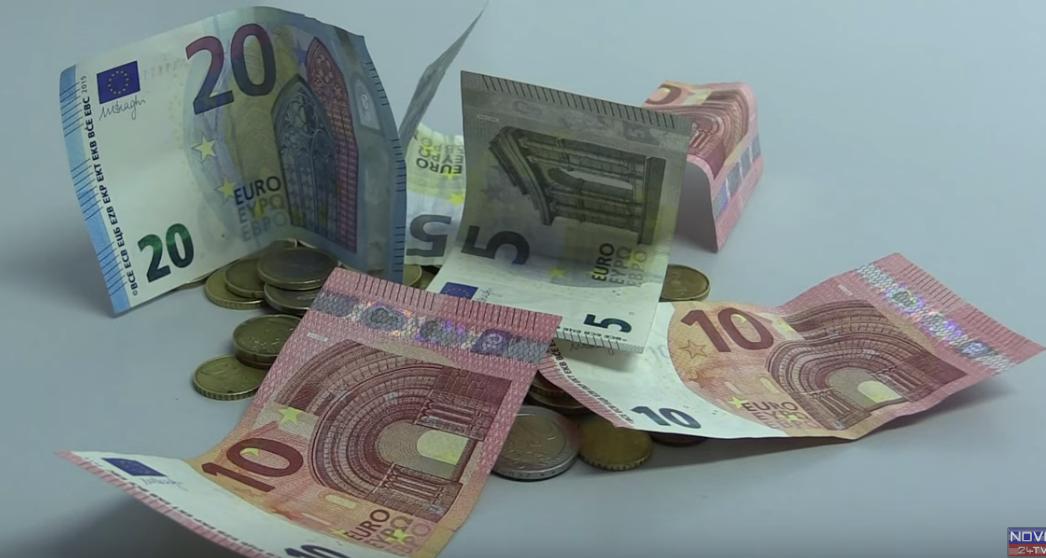 Vladimira dobiva le 500 evrov pokojnine. Najmenina za stanovanje jo stane 320 evrov na mesec. (Foto:Nova24tv)
