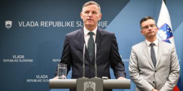 Finančni minister Andrej Bertoncelj grozil z odstopom v primeru sprejetja amandmajov Slovenske demokratske stranke (Foto: STA)