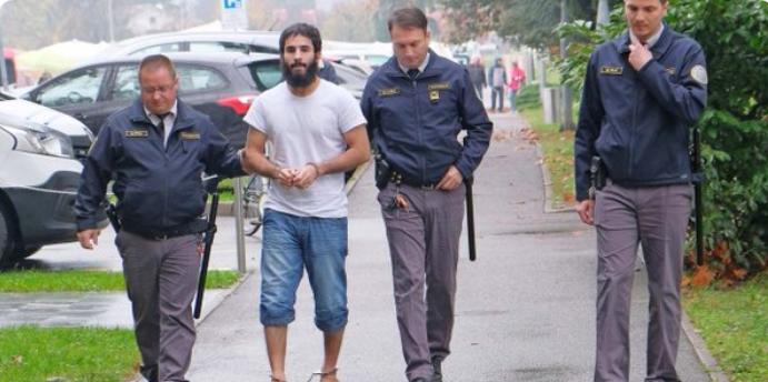 Obtoženi 26-letni Iračan Amar Yassin Al Hamdani (Foto: Twitter)