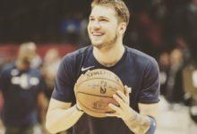 Smejoči čudežni deček košarkarke in največji svetovni promotor Slovenije Luka Dončič. (Foto: Twitter)