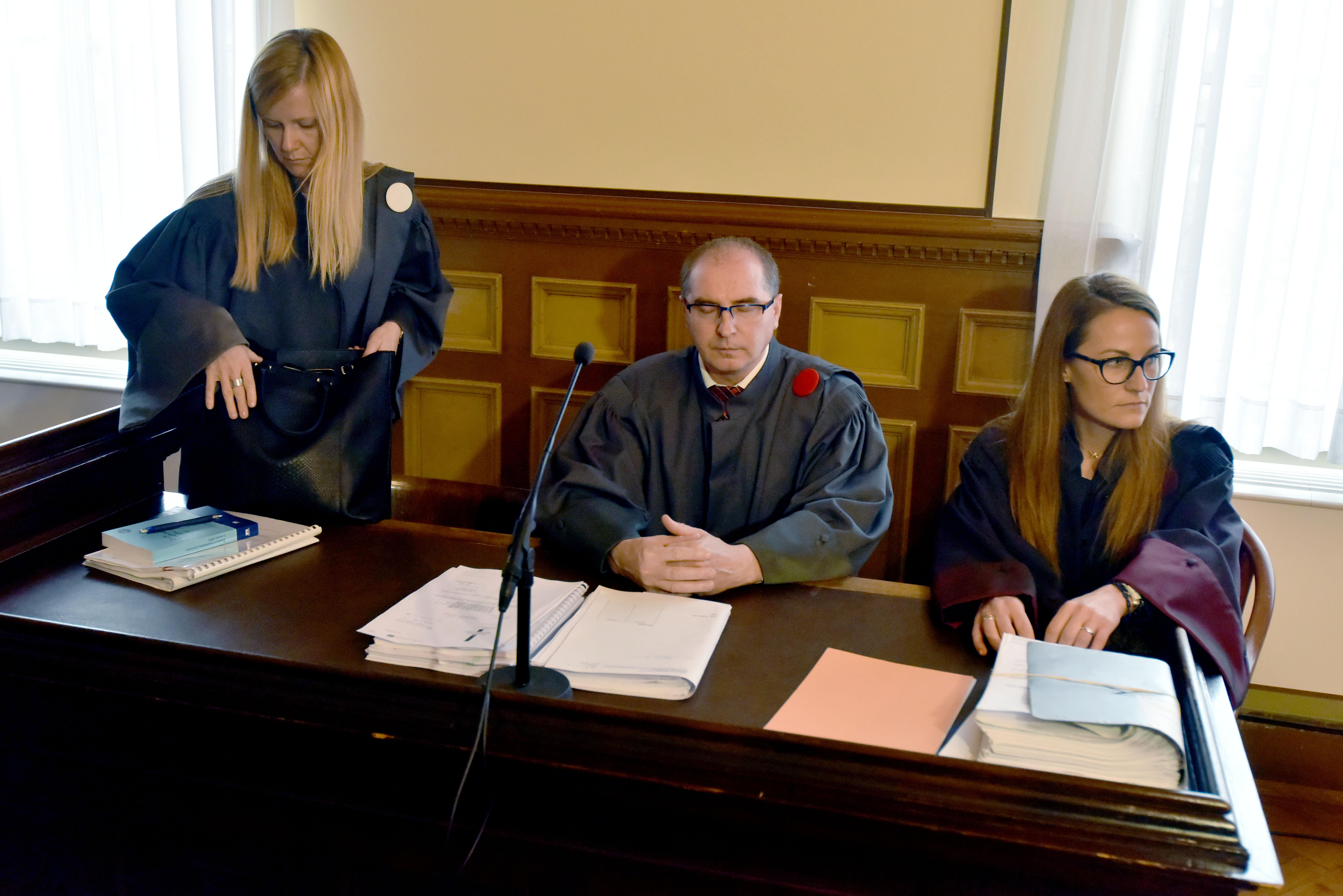 Ali bo tožilka Barbara Žgajner Tavš še enkrat poraženka v razvpitem sodnem procesu proti vodilnim propadle Hypo Bank Leasing v Sloveniji? (Foto: STA)