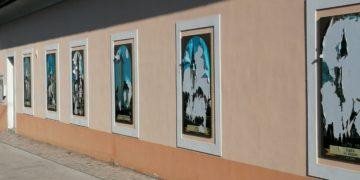 Oskrunitev zunanjih slik na Župnijski cerkvi v Kranju. (Foto: Bralec Nova24tv)
