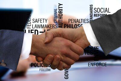 shaking hands 3205463 1920