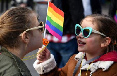Na Madzarskem zelijo prepovedati LGBT indoktrinacijo otrok